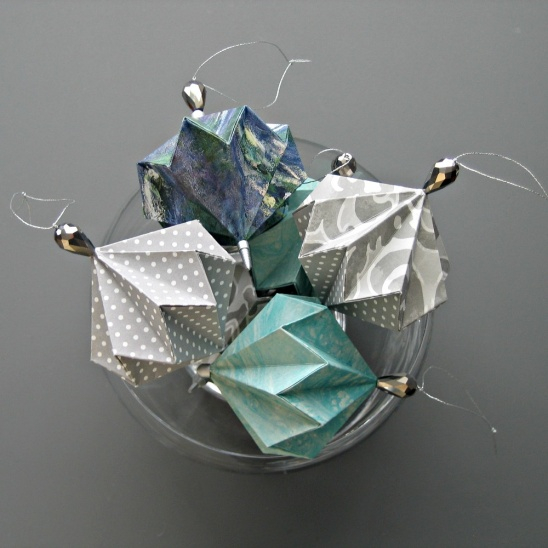 If You Choose Non Seasonal Papers To Make These Origami Balls Can Leave Them Out All Year Round