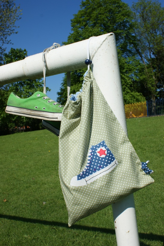 How To Make A Shoe Bag For Sports Shoes Heels Or Not Even At All See The Full Tutorial On Our Blog