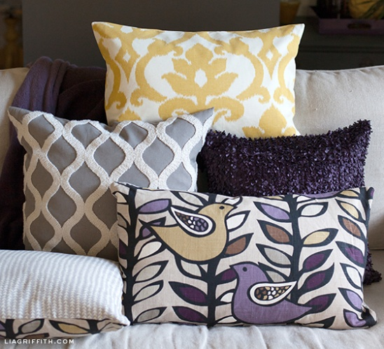 How To Make Throw Pillow Covers By Hand : EASY DIY Zipper Pillow Covers by lia griffith Project Home Decor Sewing / Decorative ...