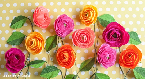 Diy crepe paper ranunculus flowers by lia griffith project italian floral crepe paper ranunculus flowers template and tutorial here httpliagriffithmake a crepe paper ranunculus bouquet with lemon mightylinksfo