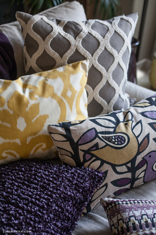 Decorative Pillow Cover Diy : EASY DIY Zipper Pillow Covers by lia griffith Project Home Decor Sewing / Decorative ...