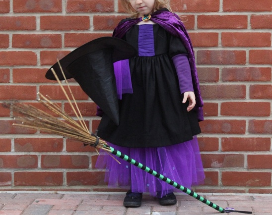 This halloween Costume is based in the book Room on the broom by Julia Donalson as part of Kids Clothes week Fall 2014. & Room on the Bromm Witch by Maria | Project | Sewing / Dresses ...