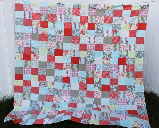 Easy Fat Quarter Quilt Top Free Pattern by Thestitchingscientist