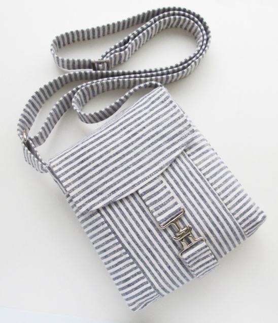 Linen Stripe Messenger Bag by michellepatterns.com | Project ...