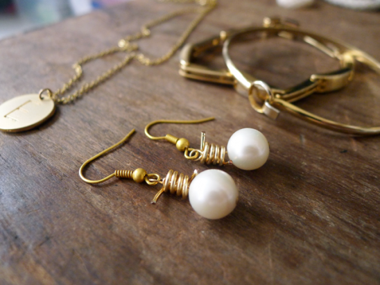 DIY Wire and Pearl Earrings by Thanks, I Made It