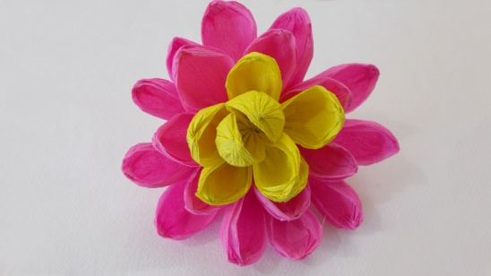Diy easy paper craft how to make a pretty crepe paper flower easy crepe paper flower mightylinksfo