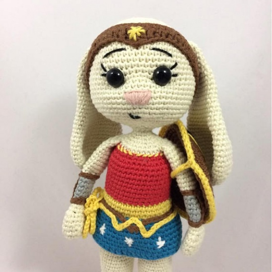 Must-Make Wonder Woman Wrap by Carissa Browning Now Available in ...   548x548