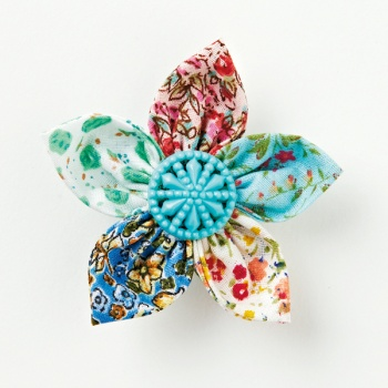 Ditsy Fabric Flower Brooch By Mollie Makes Project